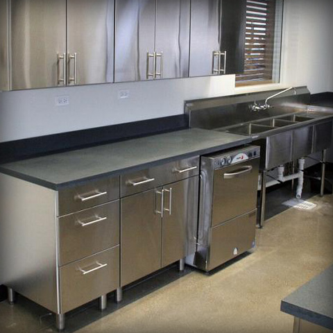 SilverStar Metal Fabricating Inc. - Commercial Kitchens