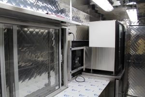 Silver Star Metal Fabricating Inc. – Food Trucks – Our Customers – The Caribbean Cruiser