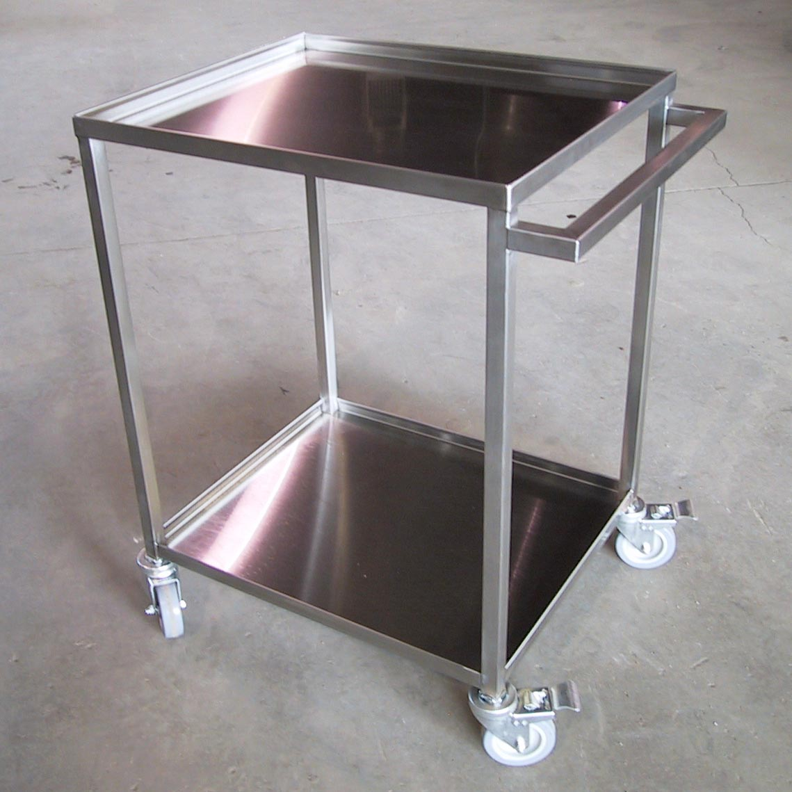 SilverStar Metal Fabricating Inc. - Food Service (Utility) Carts